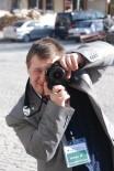 FARKıNDALıK - Bir Günlüğüne Fotoğrafçı Olan Down Sendromlu Genç İlgi Odağı Oldu