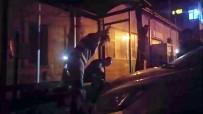 UYUŞTURUCU MADDE - Bonzai İçen Genci Vatandaşlar Su Dökerek Ayıltmaya Çalıştı