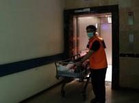 KURTARMA EKİBİ - Hastanedeki Yangın Tatbikatı Gerçeği Aratmadı