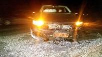 MAKAM ARACI - Milletvekilinin Makam Aracı Manisa'da Domuza Çarptı