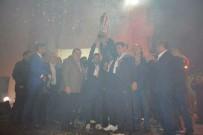 İRFAN TATLıOĞLU - Namağlup Şampiyona Görkemli Kutlama
