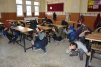 MERKEZ EFENDİ - Öğrenciler Deprem Ve Yangın Tatbikatıyla Bilinçlendi