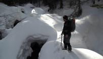 GÜVERCINLIK - Uludağ'ın Dereleri Eskimo Evlerine Döndü