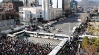 GÜNEY KORELİ - Yüz Binlerce Kişi Güney Kore Cumhurbaşkanını Protesto Etti