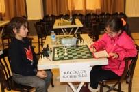 YENI YıL - Ayvalık'ta Satranç Turnuvası Sona Erdi