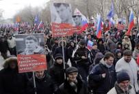 PETERSBURG - Binlerce Kişi, Sokak Ortasında Öldürülen Rus Politikacıyı Anıyor