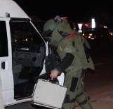 BARIŞ MANÇO - Bomba İmha Uzmanını Gördüler, Görüntü Çekmeye Koştular