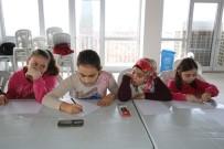 MUSTAFA BOZBEY - Bozbey Çocuklarla Sanat Atölyesinde Buluştu