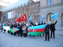 FEDERASYON BAŞKANI - Hocalı Katliamı 25. Yılında İsveç Parlamentosu Önünde Anıldı