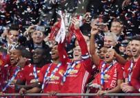 ZLATAN IBRAHİMOVİC - İngiltere Lig Kupası Manchester United'ın