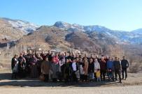 ÇAM SAKıZı - İşadamı Dostlarını Köyünde Ağırladı