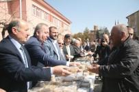 SAADET PARTISI GENEL BAŞKANı - Erbakan, Sungurlu'da Anıldı