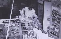 KAR MASKESİ - Marketteki Hırsızlık Anı Güvenlik Kamerasında
