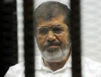 POLİS AKADEMİSİ - Mursi: Ülkenin Cumhurbaşkanı hala benim