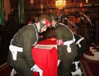 MUHITTIN GÜREL - Rum Asıllı Kore Gazisine Kilisede Askeri Tören