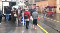 ZABITA MEMURU - Taksim'de 'Yalın Ayak'lı Duygu Sömürüsü
