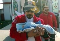 AMBULANS HELİKOPTER - Ambulans Helikopterler 3 Günlük Bebek İçin Havalandı