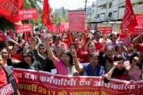FAZLA MESAİ - Hindistan'da Banka Çalışanları Grevde