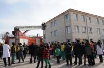 İtfaiye Müdürlüğü Öğrencilere Yangına Müdahale Eğitimi Verdi