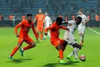 ALPER ULUSOY - Kasımpaşa Rizespor Maçında İlk Yarı Golsüz Geçildi