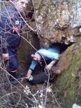 AV KÖPEĞİ - Kayalıklarda Mahsur Kalan Av Köpeğini İtfaiye Kurtardı
