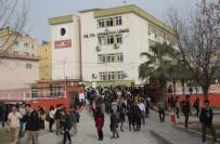 BIÇAKLI SALDIRI - Lisede kantinci çırağı dehşet saçtı