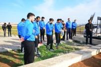 AHMET ÖZTÜRK - Merhum Hentbolcular Mezarları Başında Anıldı