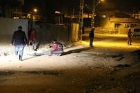 HÜSEYIN CAN - Suriyeli İle Mahalle Sakinleri Arasında Kavga Çıktı Açıklaması 3 Yaralı