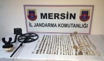 TARİHİ ESER KAÇAKÇILIĞI - Tarsus'ta Bir Evden 471 Adet Kaçak Tarihi Eser Çıktı