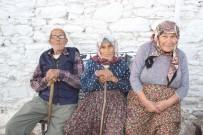 KARACAÖREN - Aydın'ın Köyleri Gençlere Hasret Kaldı