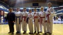 ALİHAN - Aydınlı Sporcular Karatede Adını Yarı Finallere Yazdırdı