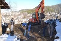 Belediye Yanan Evi Yeniden Yapıyor