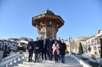 AHMET EMRE BILGILI - Bosnalı Bakan Hamamönü'nde