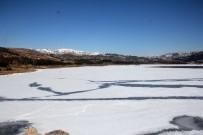 BARAJ GÖLÜ - Çorum Barajı Buz Tuttu