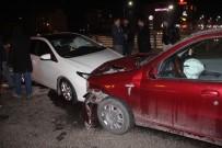 ÖZLEM KAYA - Elazığ'da Trafik Kazası Açıklaması 5 Yaralı