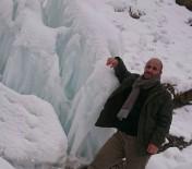 ZAP SUYU - Hakkari'de Dondurucu Soğuklar