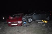 ECZACıBAŞı - Kırklareli'de İki Araç Kavşakta Çarpıştı Açıklaması 1 Ölü, 1 Yaralı