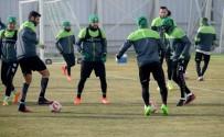 TEDAVİ SÜRECİ - Konyaspor Kupa Hazırlıklarına Devam Etti