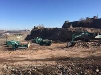 İŞ MAKİNASI - Orman Ve Su İşleri Bakanlığı Sur Ve Nusaybin'deki Çalışmalara Destek Veriyor
