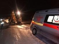 ÖZALP BELEDİYESİ - Özalp'ta Mahsur Kalan 83 Araç Kurtarıldı