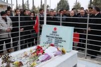Gençlik Ve Spor Bakanı Kılıç, Ömer Halisdemir'in Mezarını Ziyaret Etti