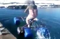 İlkinde Gülümsettiler, İkincisinde Su Üzerinde Bisiklet Sürmeyi Başardılar