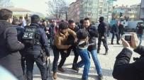 İZİNSİZ GÖSTERİ - İzinsiz Eylem Yapan KESK'liler Gözaltına Alındı