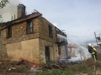ŞEYHLER - Manavgat'ta Ev Yangını