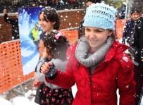 KAR TOPU - Mersin'in 4. Kar Festivali Renkli Başladı