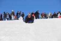 Vatandaşlar Kar Festivalinde Çocuklar Gibi Eğlendi