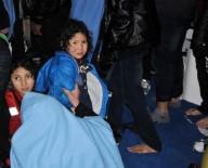 KAÇAK GÖÇMEN - Ege'de Kaçak Göçmenleri Taşıyan Bot Battı Açıklaması 1 Ölü