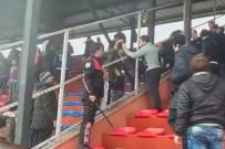 BAYAN FUTBOL TAKIMI - Kadınlar Futbol Oynadı, Erkekler Tribünde Kavga Etti