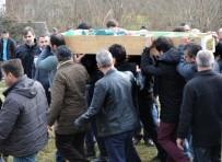 Yatağında Ölü Bulunan Nişanlı Genç Kız Gözyaşlarıyla Defnedildi
