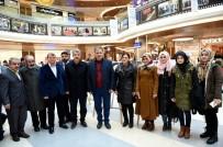 ÖLÜM YILDÖNÜMÜ - Başkan Çakır 'Necmettin Erbakan Resim Sergisi'ni Gezdi